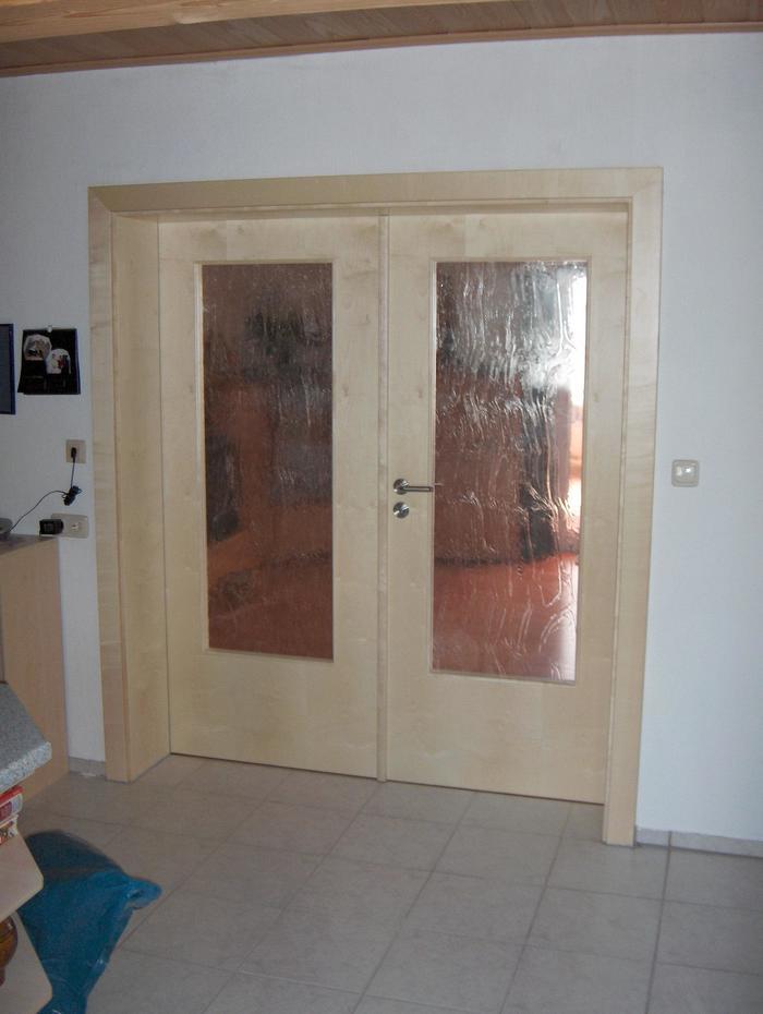 Doppeltür mit glaseinsatz